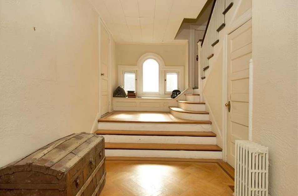 9 Meadow Lane Lou Gehrig Home Stairs