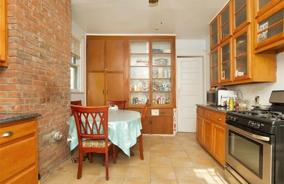 9 Meadow Lane Lou Gehrig Home Kitchen 2