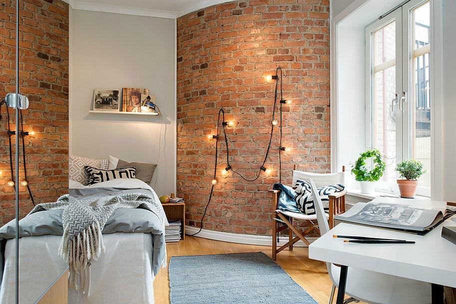 brick wall-string lights