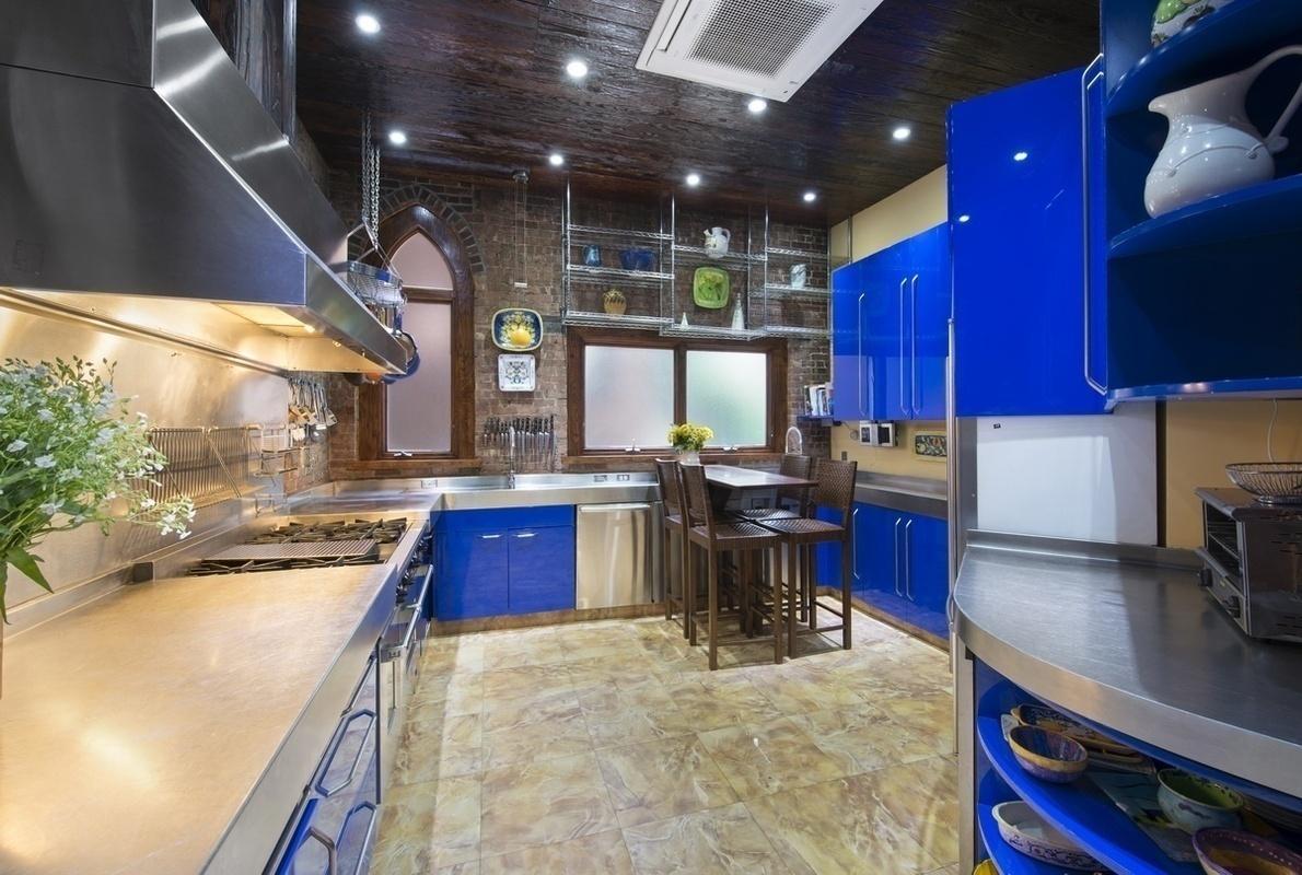 3 Riverside Drive Kitchen 3