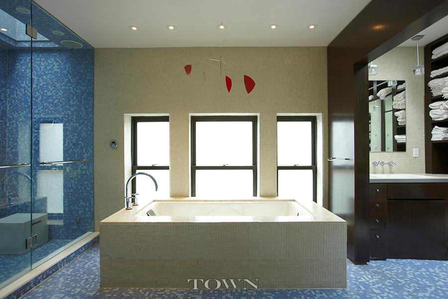 317 east 8th street, bathroom