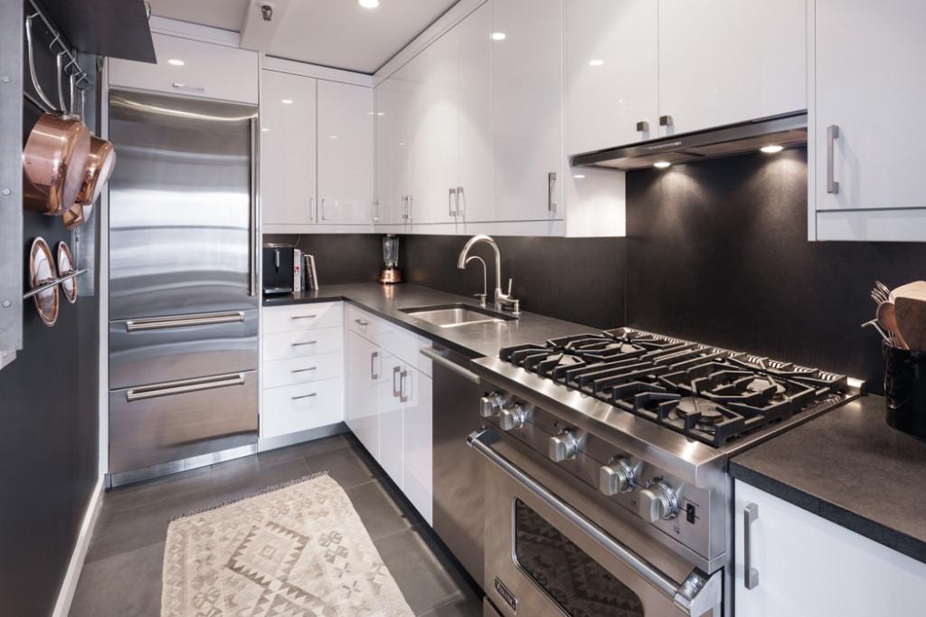 105 Montague Street, Brooklyn Heights real estate, NYC celebrity real estate, Vincent Kartheiser, Alexis Bledel