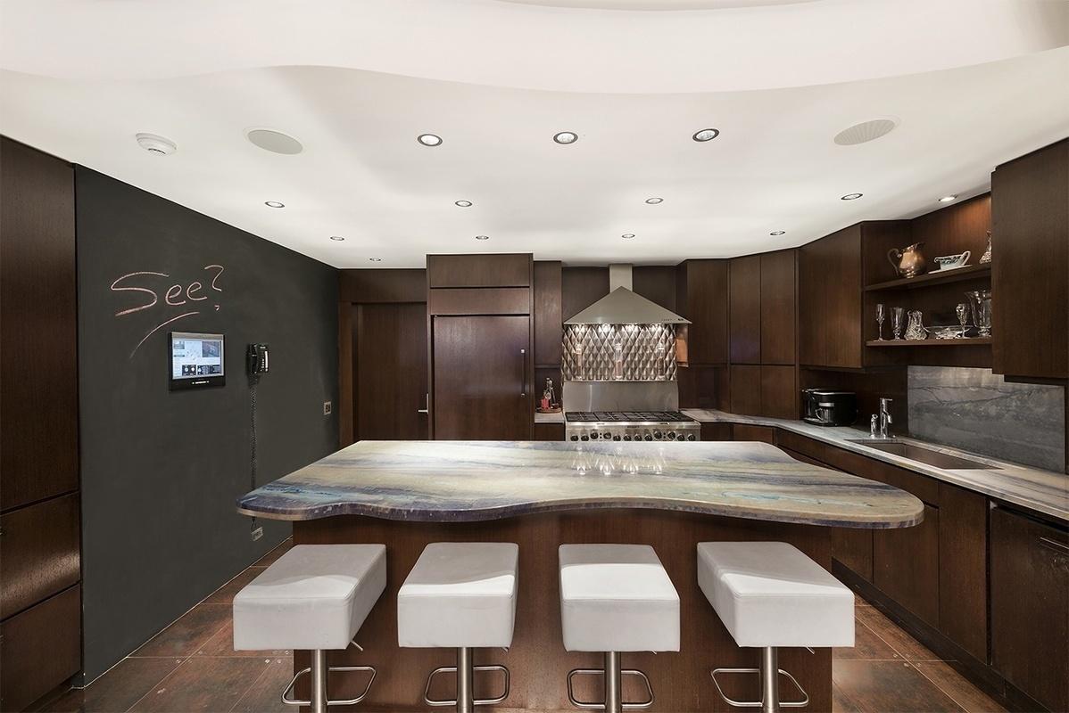 7 Hubert Street, dining room, kitchen
