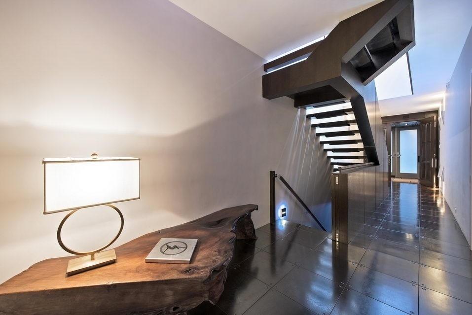7 Hubert Street, stairs, condo
