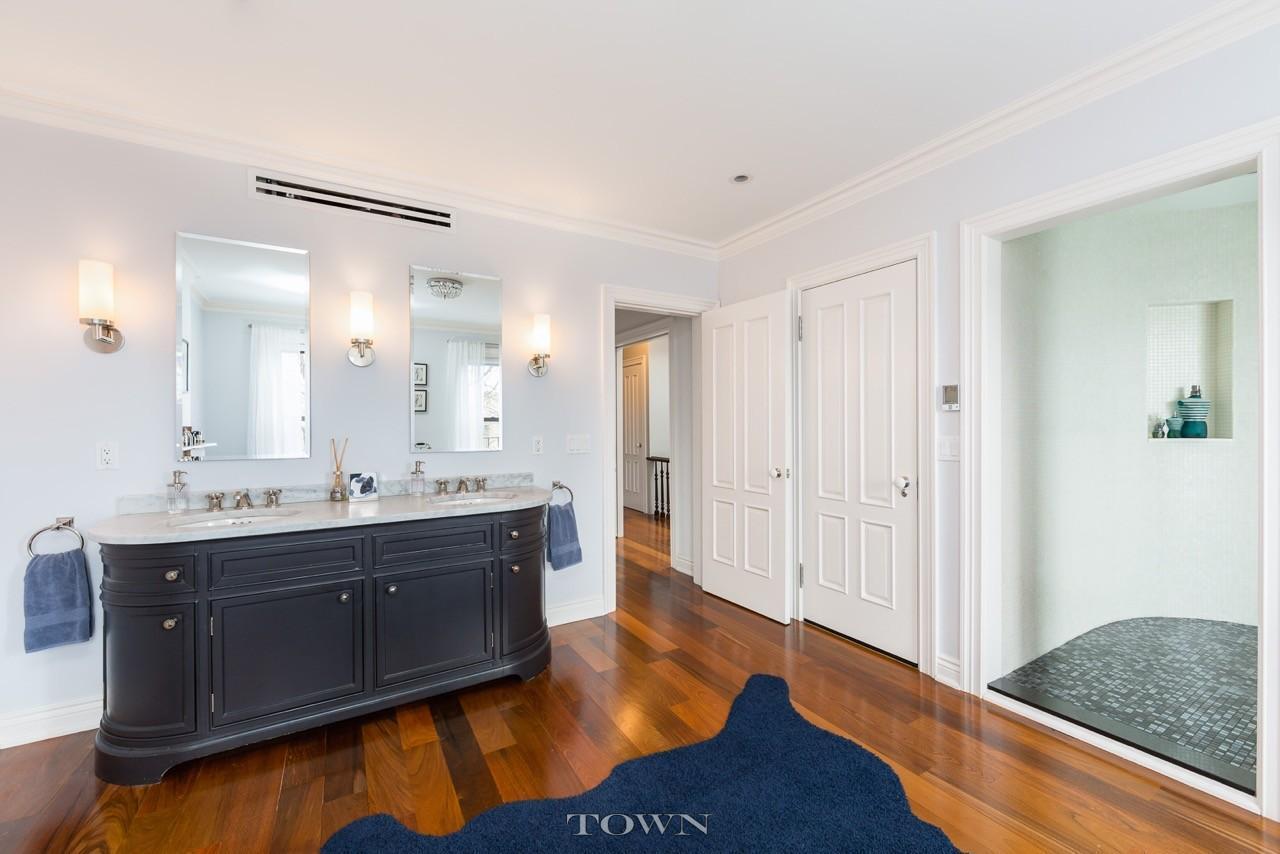 17 madison street, bathroom, vanity, bed stuy