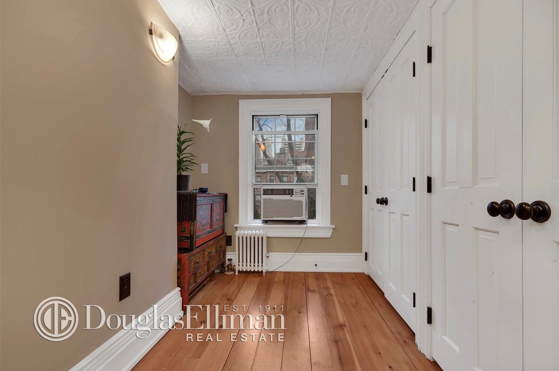 312 east 53rd Street, hallway