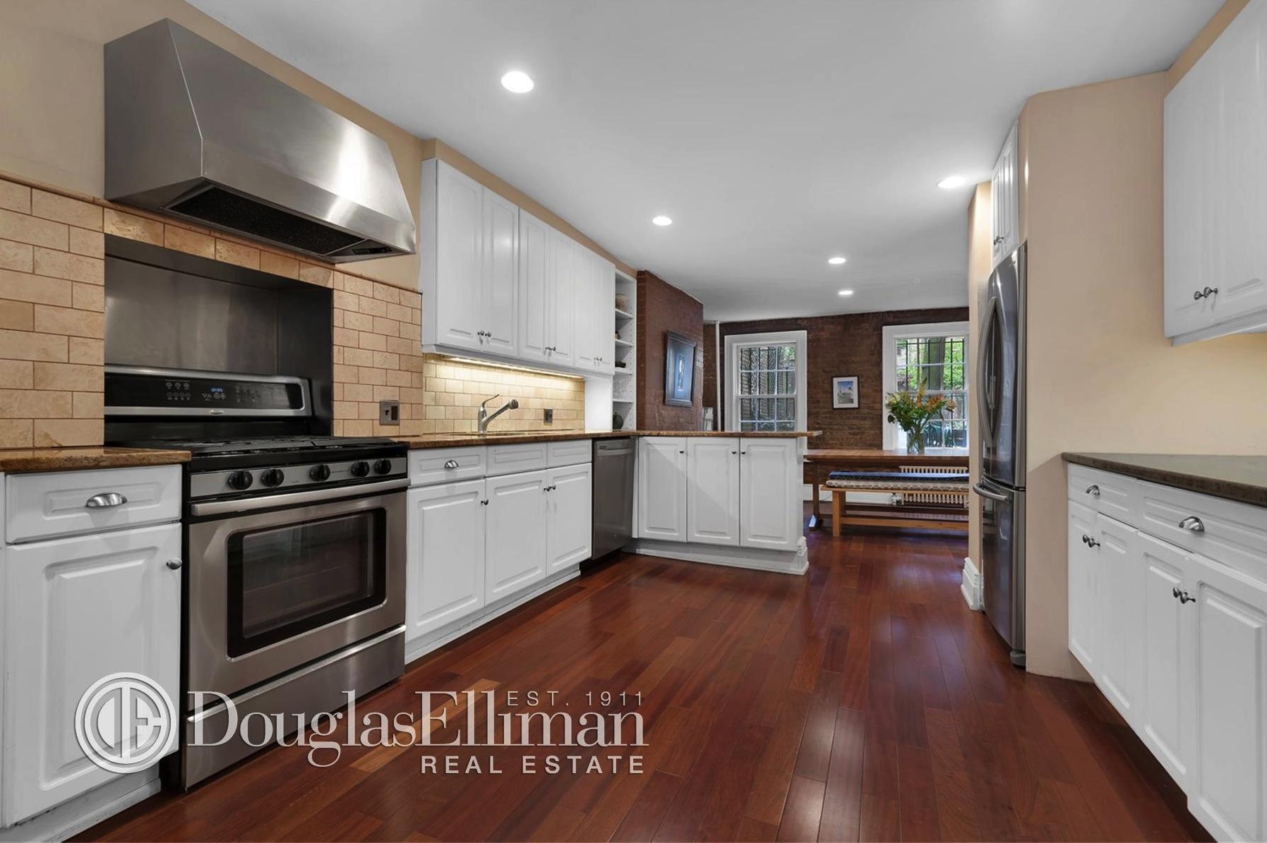 312 east 53rd street, kitchen, woodframe house,