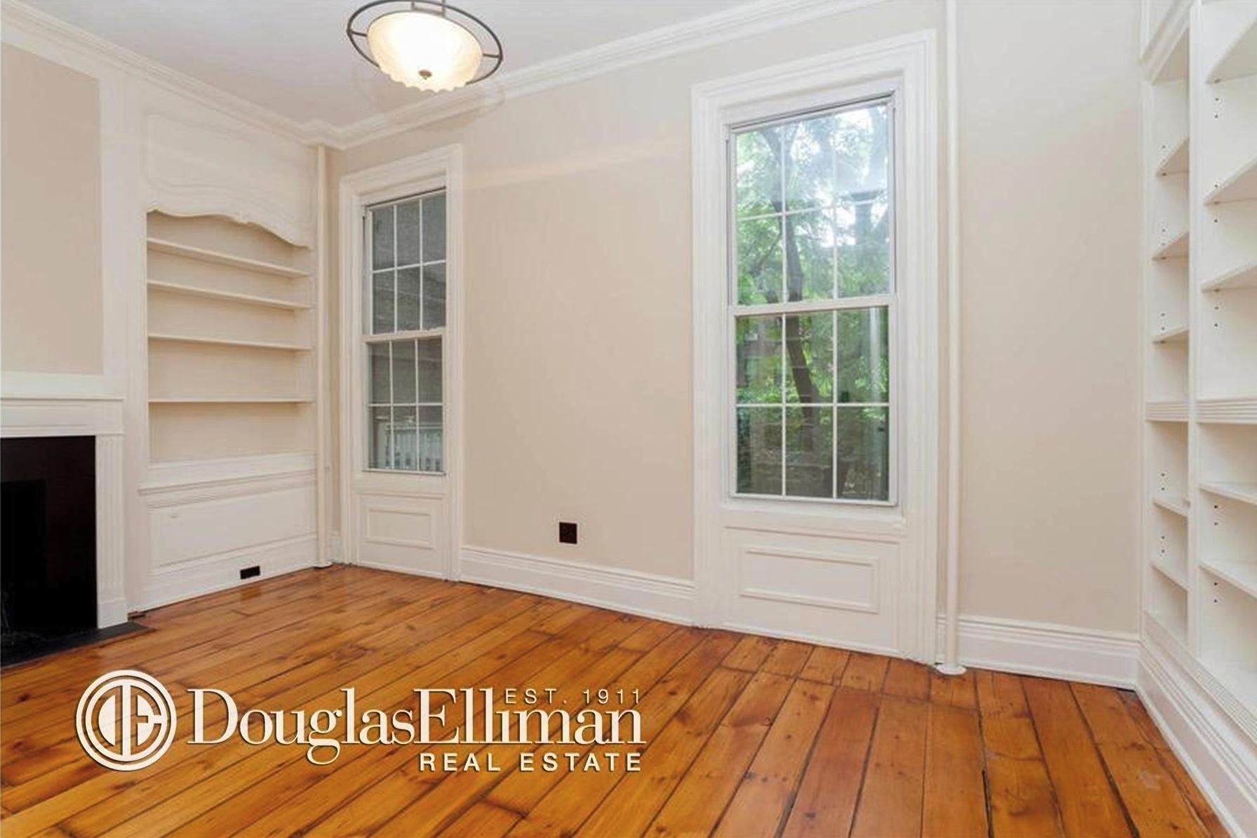 312 east 53rd Street, bedroom