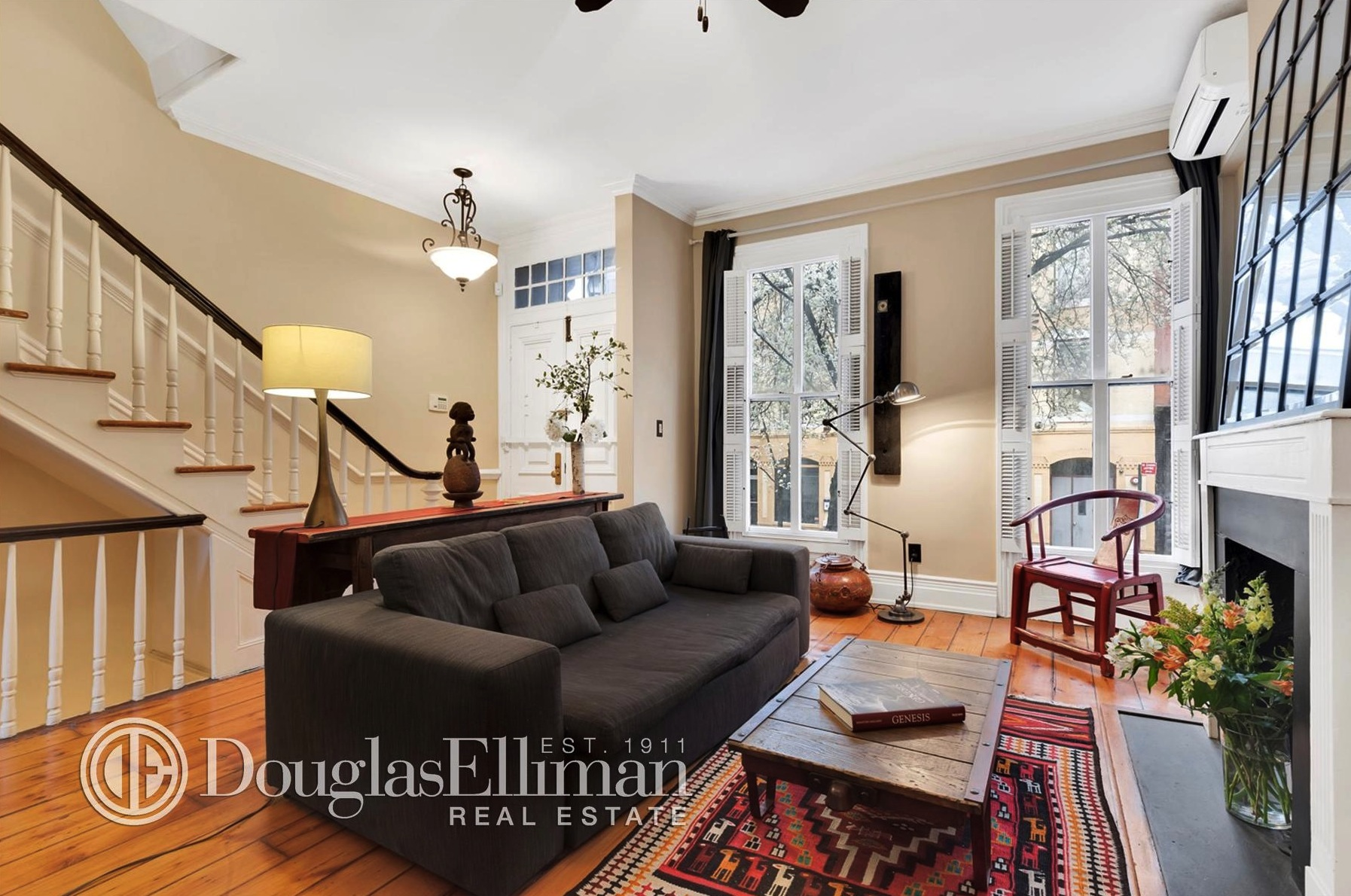 312 East 53rd Street, woodrame home, living room, turtle bay