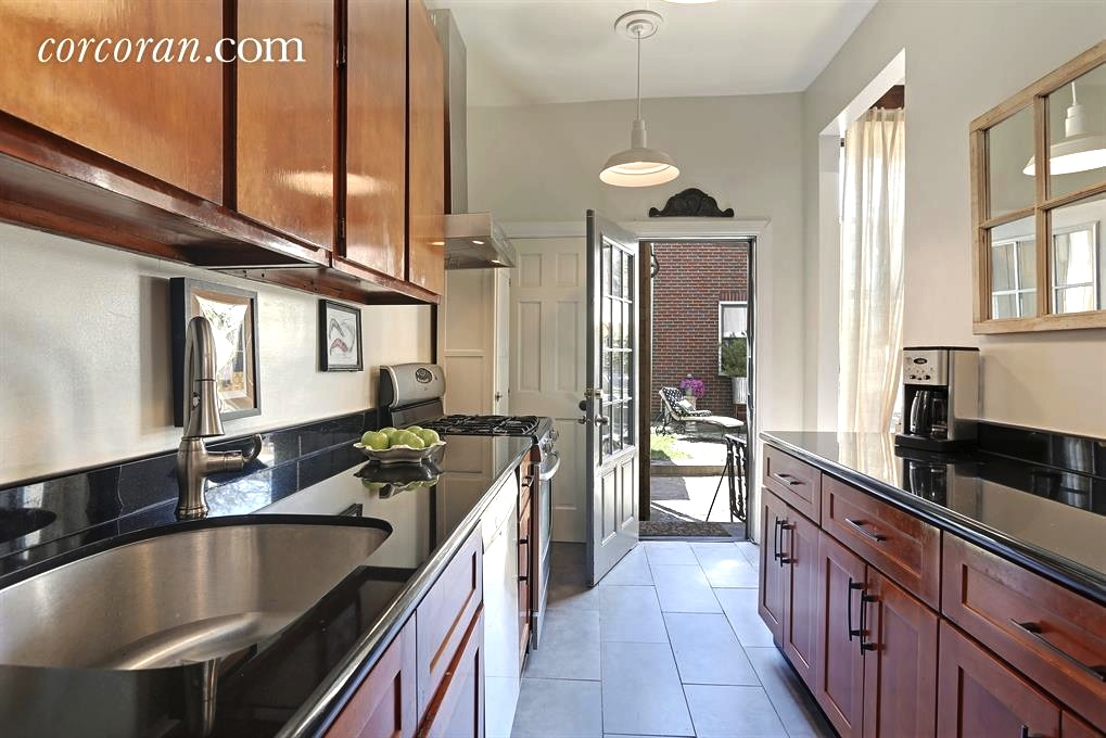 164 Ainslie Street, kitchen, renovated, townhouse