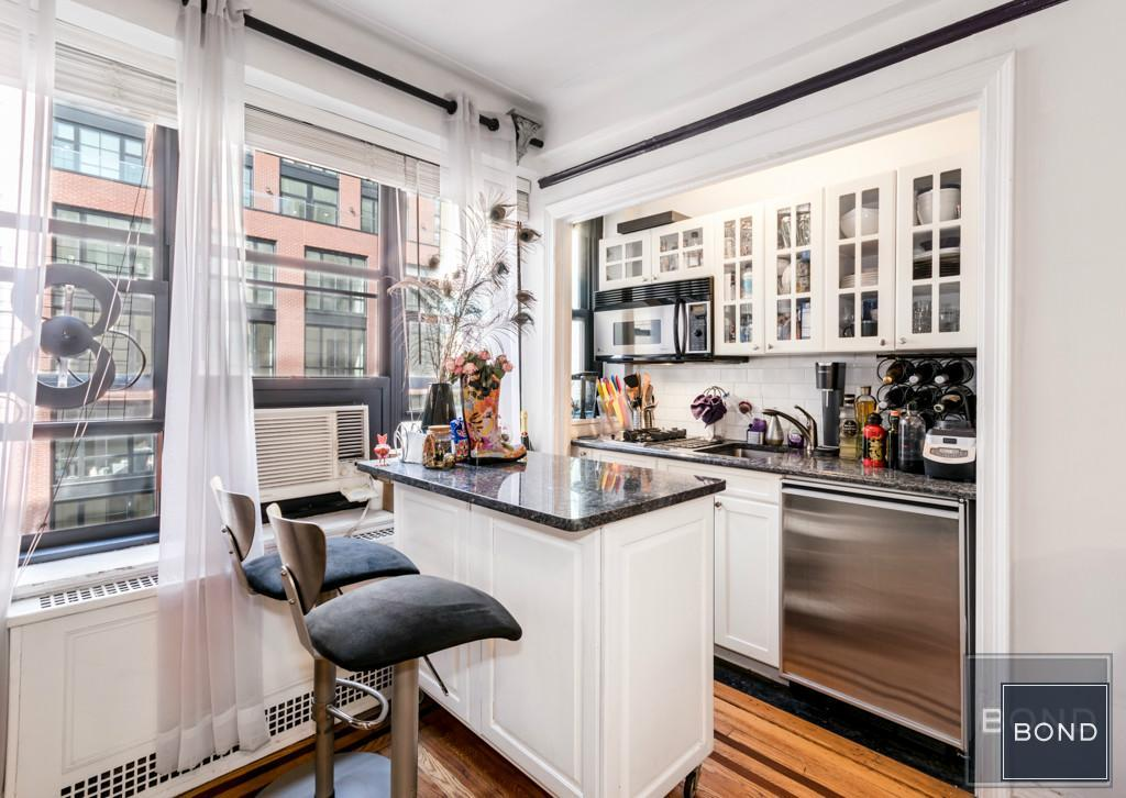 235 East 22nd Street, kitchen, alcove studio, co-op