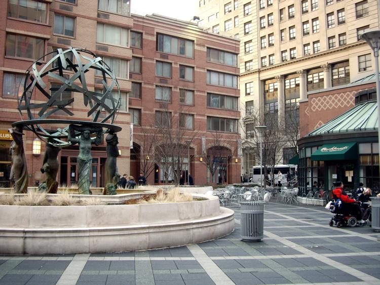 Worldwide plaza fountain