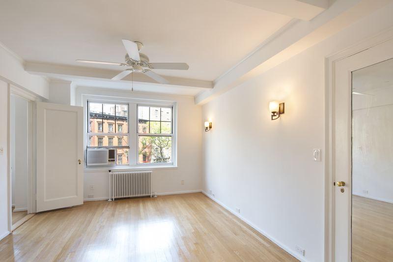 2 horatio street bedroom 1
