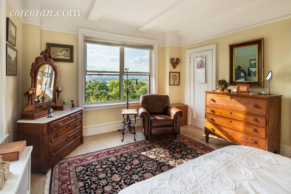 300 Riverside Drive Bedroom 3
