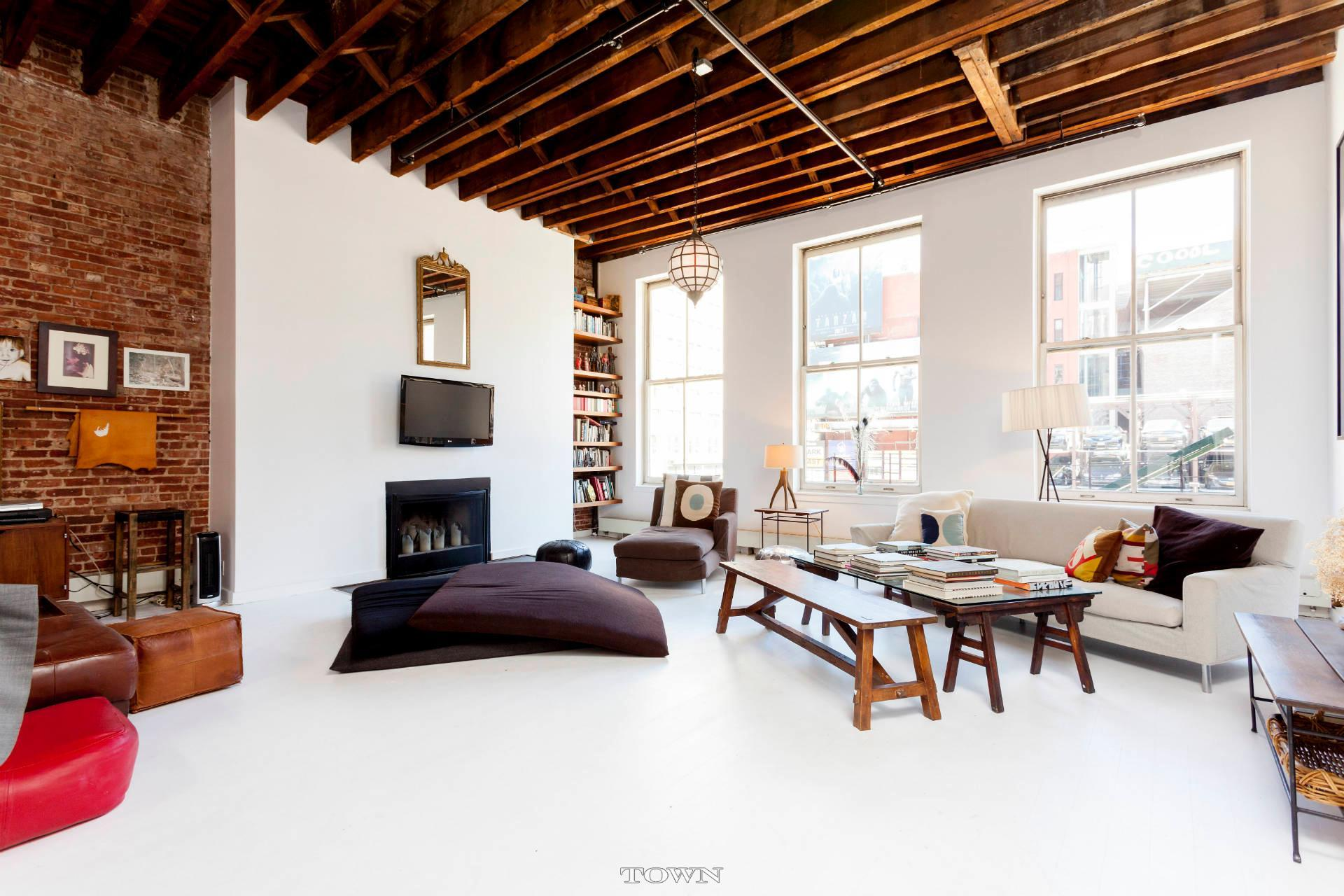 27 Great Jones Street, loft, rental, noho, living room