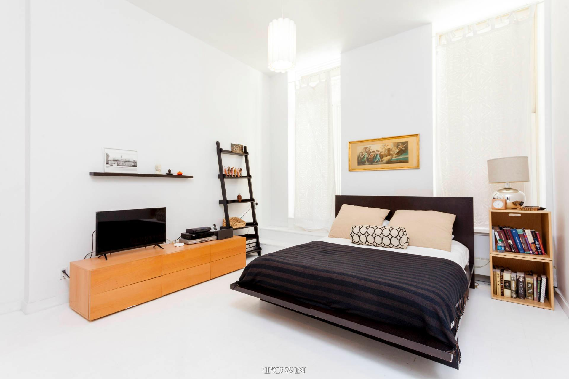 27 Great Jones Street, loft, rental, noho, bedroom