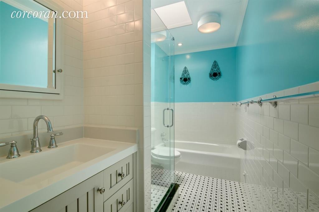 151 East 37th Street Bath