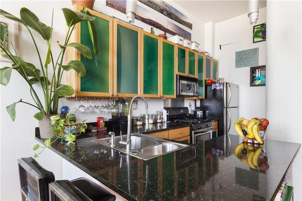 689 Myrtle Avenue, loft, kitchen