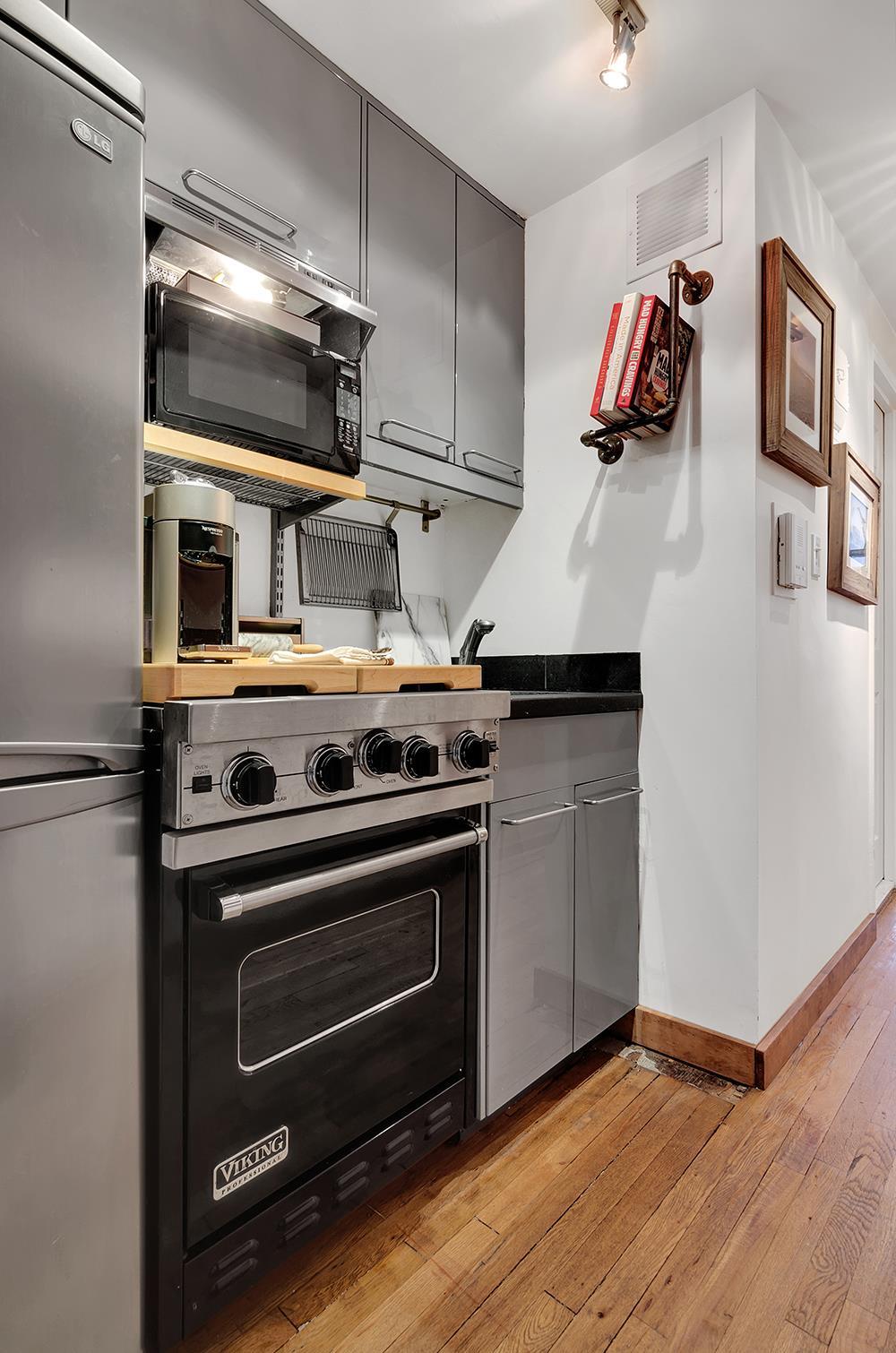 100 West 15th Street Kitchen