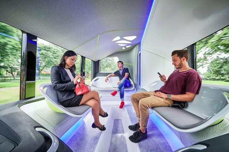 Mercedes-Benz-Future-Bus_Self-Driving-Bus-interior