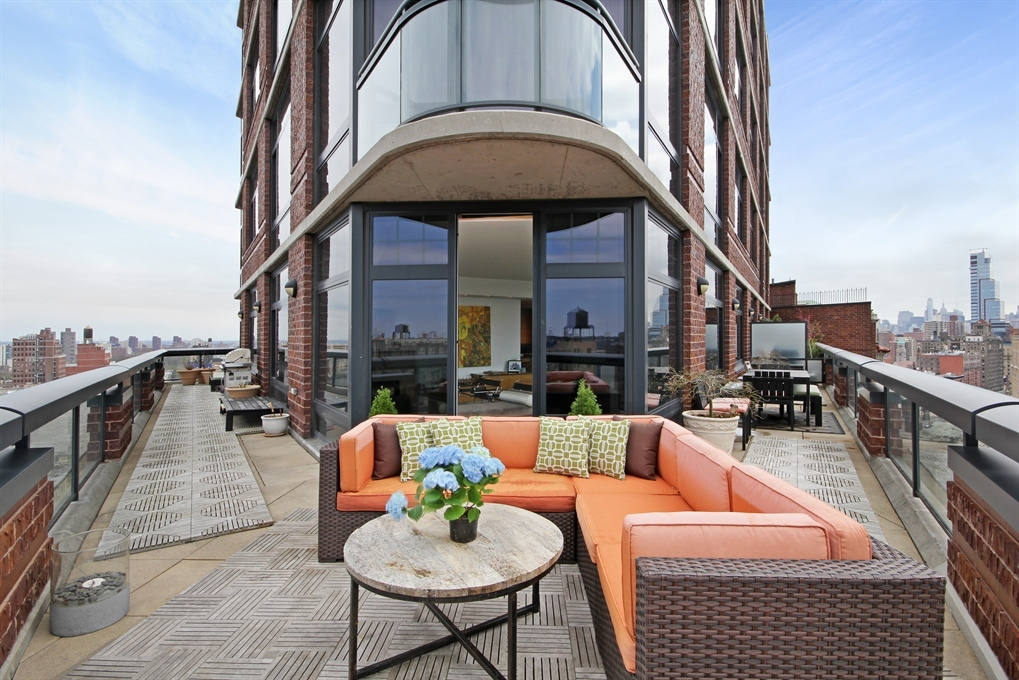 Straus park stunner with striking balcony asks for Apartments nyc upper west side