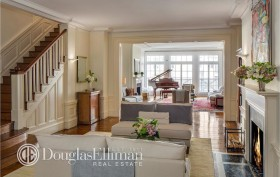 830 Park Ave drawing room