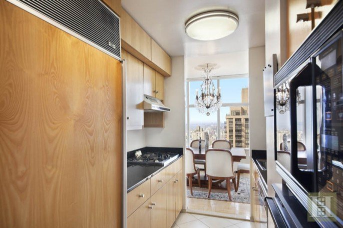 3 Lincoln Center, 46A kitchen