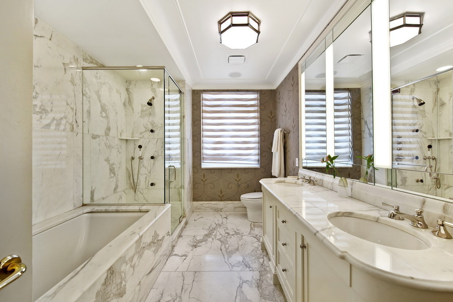 Cute Central Park Bathrooms Decoration