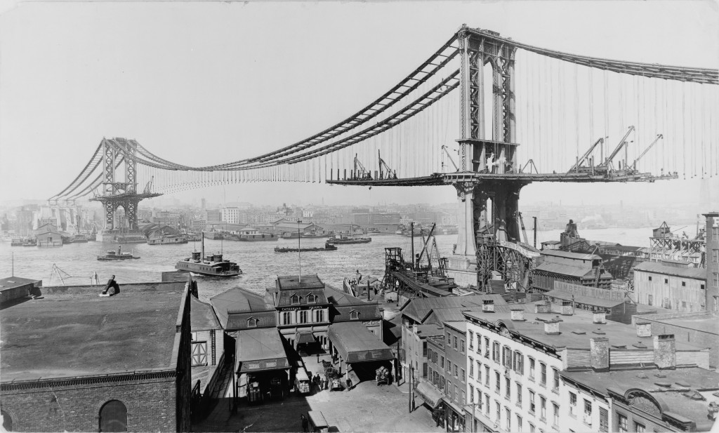 This photo from 1909 shows the Manhattan Bridge under construction.