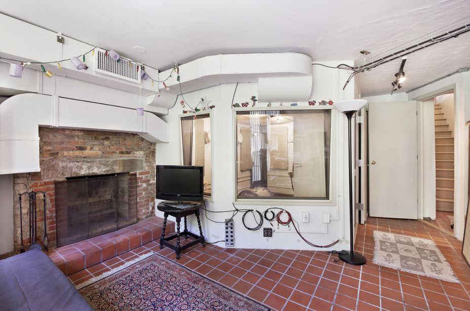 508 East 6th Street, duplex apartment, air conditioning, recording studio, under one million