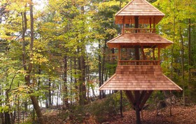 Long Lake Treehouse designed by Luderowski Architect
