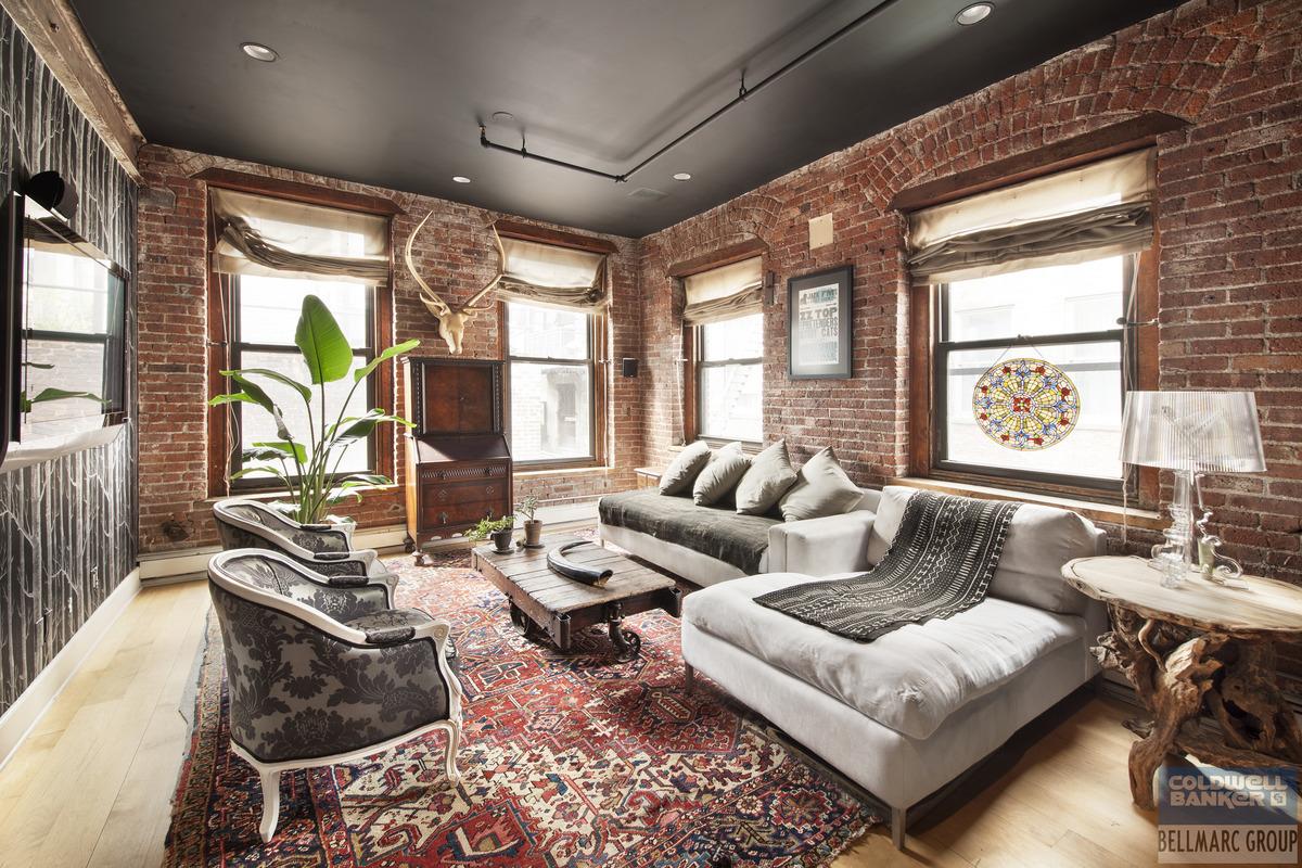 Vanessa Carlton apartment interior