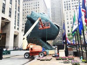 rocking horse head, Split-rocker, split rocker, jeff koons, jeff koons nyc, jeff koons 30 rock, jeff koons Rockefeller plaza, Rockefeller plaza sculptures, Rockefeller plaza split rocker, Rockefeller plaza puppy