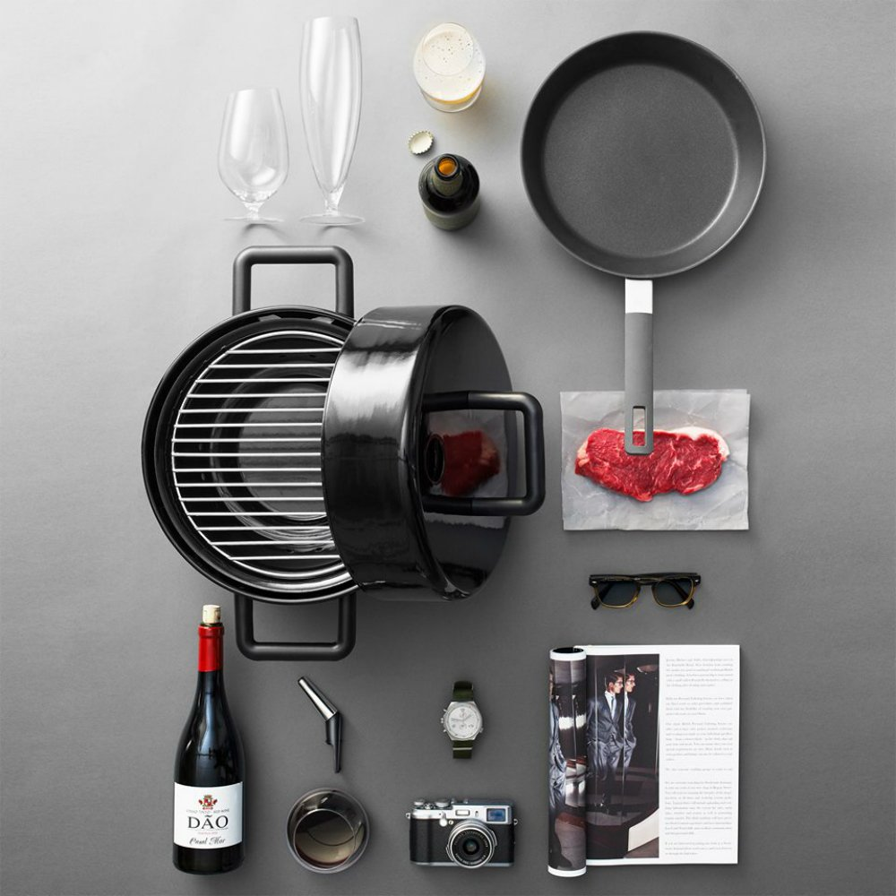 eva solo 39 s portable to go grill makes barbecuing in small spaces a breeze 6sqft. Black Bedroom Furniture Sets. Home Design Ideas