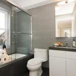 9 Commerce St interior bathroom