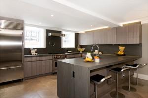 9 Commerce St interior kitchen