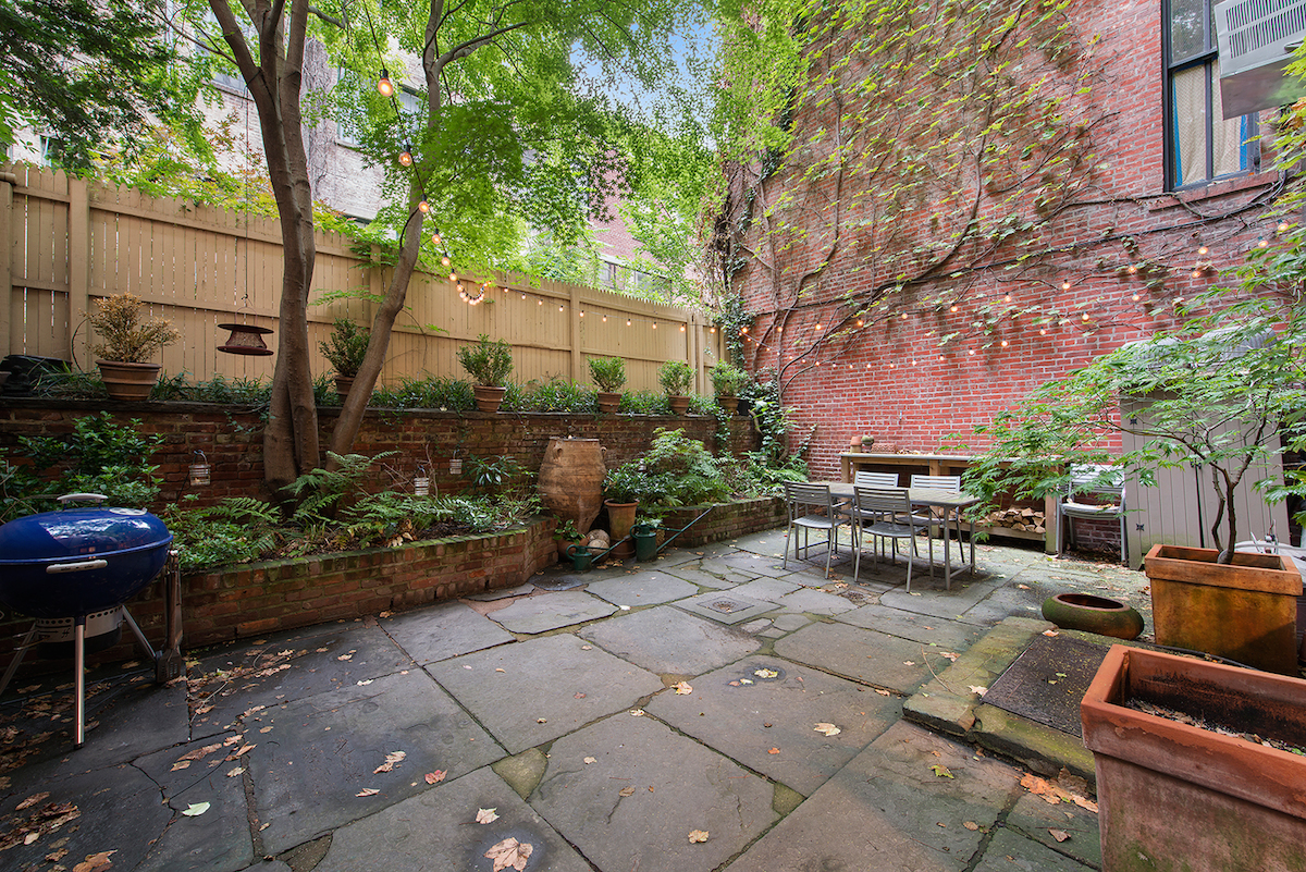 19 West 10th Street GARDEN, Gold Coast, Greenwich Village