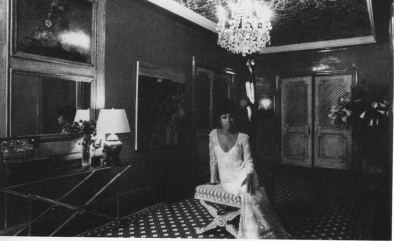 Diahann Carrol at home, Diahann Carrol