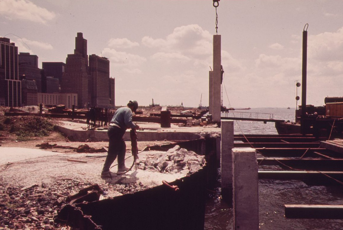 Battery Park City, NYC landfill construction, lower Manhattan, historic photos of Battery Park CIty