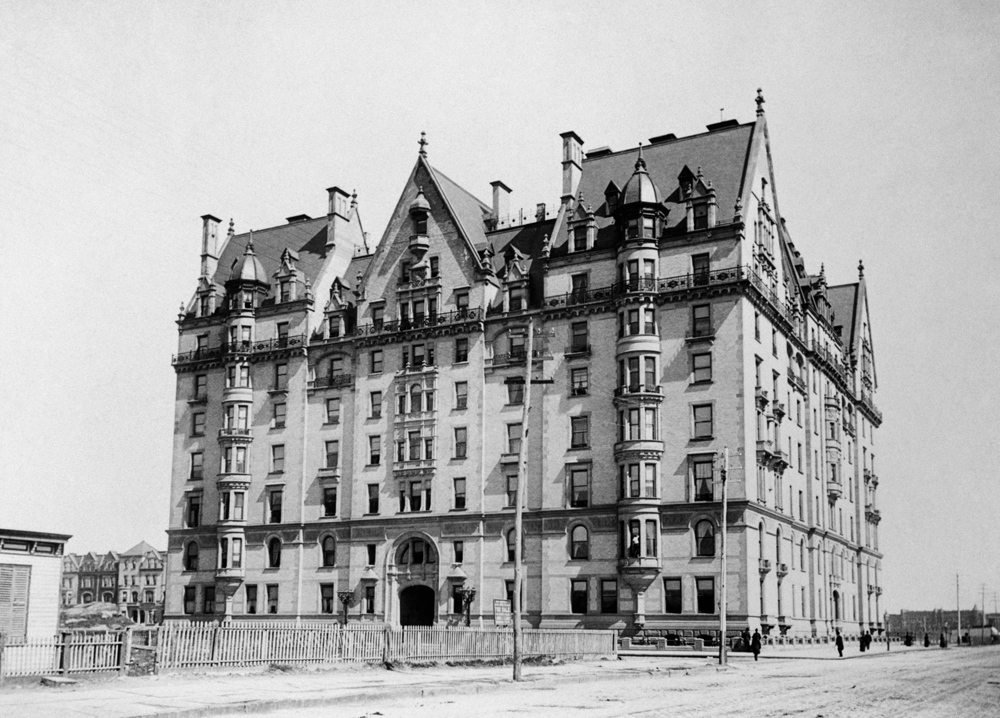 The Dakota, 1 West 72nd Street, historic images of the Dakota, historic NYC photos