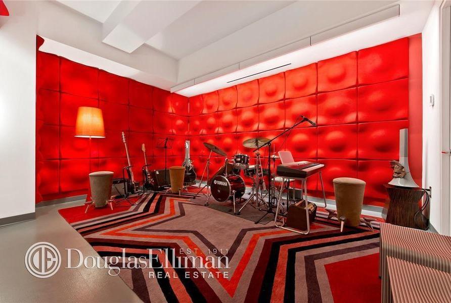 166 Perry Street, 1B music room