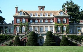 The main building at the Old Westbury Gardens