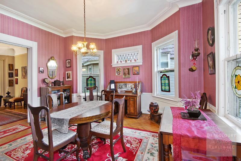Prominent Architecture Couple Buys Pretty In Pink