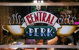 central perk cafe, friends, 90s show, friends tv show, central perk pop-up cafe, free coffee, pop-up cafe