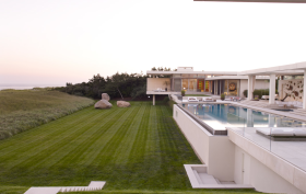 Residence in Southampton, Sawyer Berson, modern beach houses, Kelly Behun, contemporary Hamptons architecture