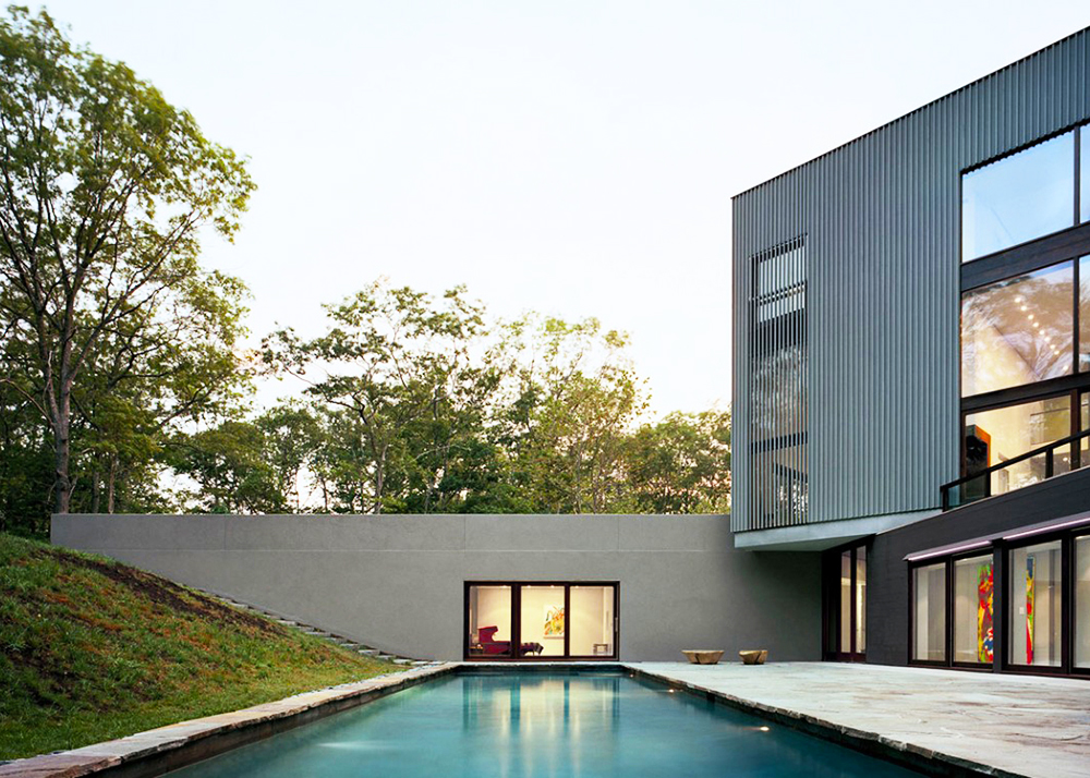 Tsao & McKown, half-buried home, Sagaponac House, Wainscott, New York, Richard Meier, privacy and openness,