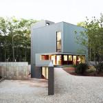Tsao & McKown, half-buried home, Sagaponac House, Wainscott, New York, Richard Meier, privacy and openness,