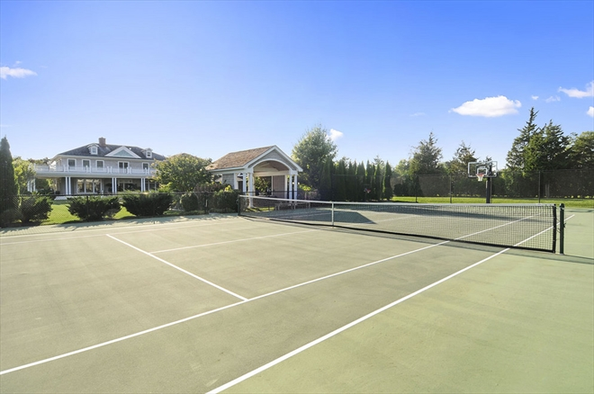 homes hamptons, famous homes for sale, tennis court hamptons