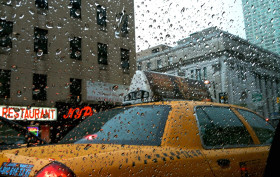 commuting nyc, hailing a cab nyc, city transit rain