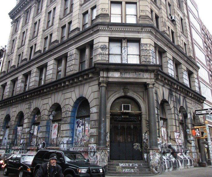 190 Bowery, Germania Bank, Jay Maisel, Cool dwellings, Noho, Converted bank